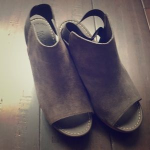 Suede sandals. Very comfortable and light